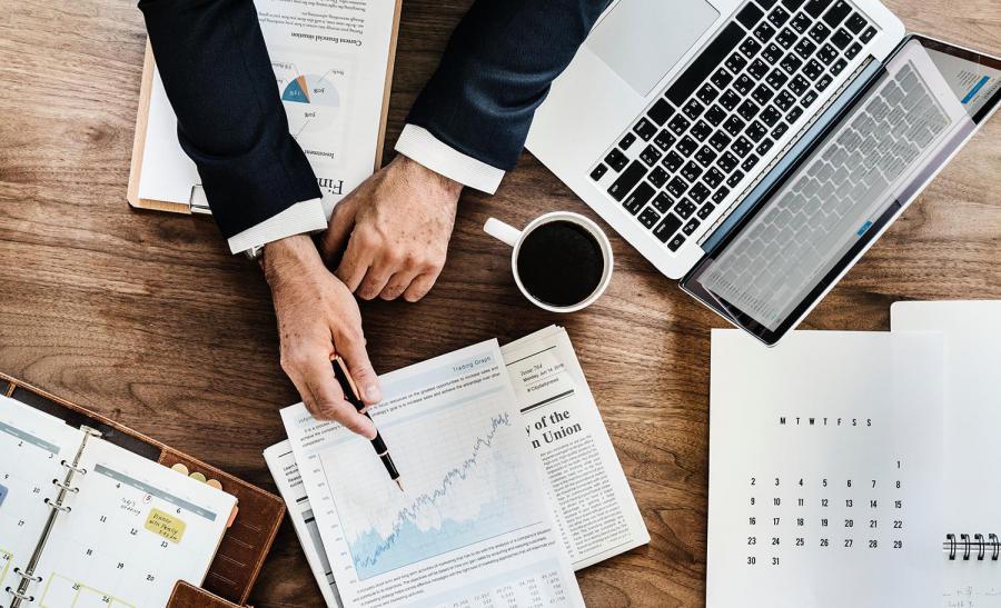 Executive discusses Menadena's marketing analytics reports