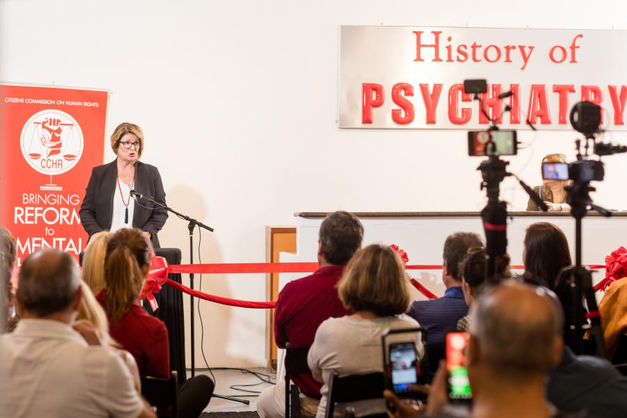 Hosted by the Florida chapter of CCHR, the exhibit attracted educators, psychologists and other mental health practitioners who are concerned with the surge in psychiatric labeling and drugging of children.