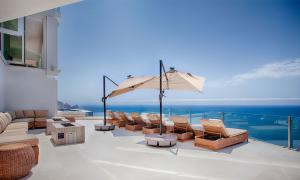 Pool Patio with huge Pacific Ocean view in Villa Lands End Cabo