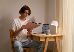 Yeelight Staria Bedside Lamp Pro, a good companion to your reading time