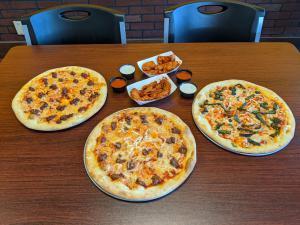 Vegan Pizzas and Vegan Chicken Wings