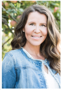 Head shot of TV host and producer of Health Wellness & Lifestyle TV