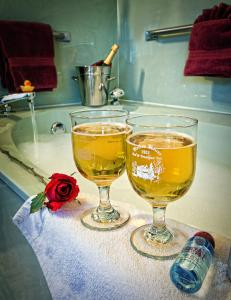Holden House offers Valentine packages all month during February
