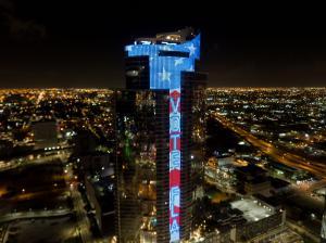 Paramount Miami Worldcenter VOTE FLA for Primary