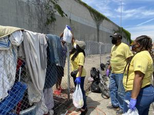 BHERC Volunteers Deliver Hygiene Kits and Lunch to Homeless