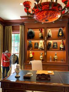 The White Oaks estate features fine decorative arts from names like Steuben, Baccarat, Hermes, Christofle, Tiffany & Co., Lalique, Ralph Lauren Collection, Buccellati, Moser and Fornasetti.