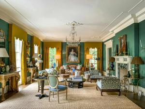 The White Oaks estate contains fine antiques from the Doris Duke Collection, acquired from around the world and previously sold at Christies. The family also acquired items at Sotheby's.