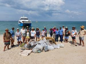 Mica Beach Clean Up with Keep Top End Coasts Healthy, Larrakia Nation, Sealink NT