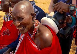 BuffEnuff Brings Healing Massage To Villagers in Kenya