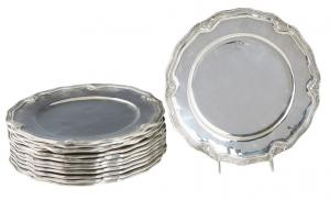 "Set of twelve Peruvian .900 sterling service plates from the mid-20th century, marked ""Old Cuzco"", 11 inches in diameter, with a total weight of 242.55 troy ounces (est. $4,000-$8,000)."