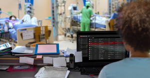 hospital-staff-viewing-Pulsara-HQ