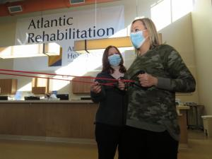 Atlantic Rehabilitation physical therapist treating patient in their New Jersey facility
