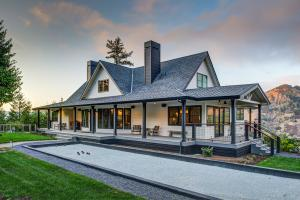 Award-winning project design-build remodeled by LEFF.  Lake Sonoma in beautiful Sonoma County, CA.