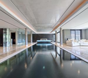 Breathtaking indoor pool, sauna, steam room, and jacuzzi