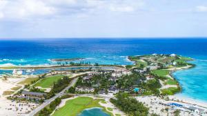Luxury villas in award-winning Bahamas resort