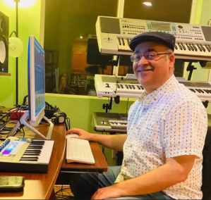 picture of Samir Bodhi at the keyboard