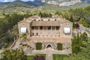 Welcome to the majestic manor Son Serralta, one of the most remarkable properties in Spain and Europe, nestled at the base of the UNESCO World Heritage Site of Sierra de Tramuntana.