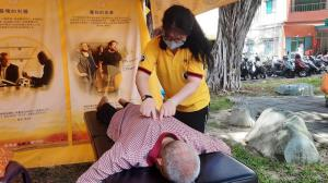 A Volunteer Minister provided a Scientology assist to this gentleman who was surprised how much relief he experienced from the simple procedure.