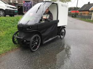 CityQ and Upsteam mobile carwash by cargobike
