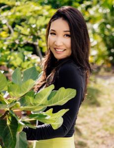 Alice Kim, developed two brands @ElizabethMott and @HanaleiCompany