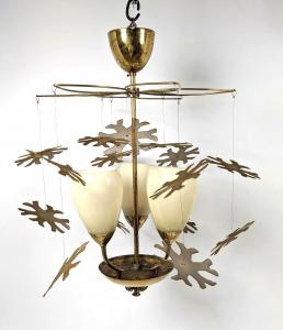 Diminutive Modernist lighting snowflake chandelier attributed to Paavo Tynell, unmarked, with four glass shades. Estimate: $3,000-$4,000.