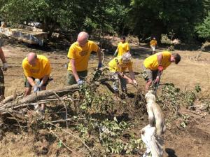 The volunteers lost no time in contributing to the cleanup and the work of salvaging property.