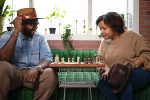 The Couple-preneurs Show with Oscar and Kiya Frazier - playing chess