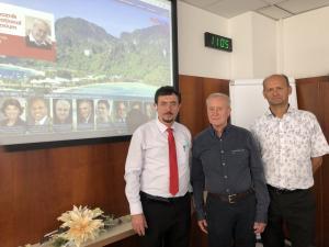 Dr. Florian Kongoli s prof. Karlem Kolomazníkem a děkanem Fakulty aplikované informatiky doc. Milanem Adámkem, v prostorách Fakulty aplikované informatiky Univerzity Tomáše Bati ve Zlíně