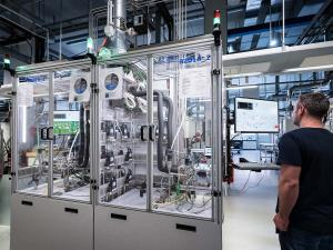 Two fuel cell test stations at the ZBT main laboratory