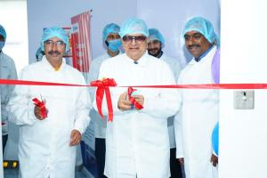 Mr. Shyam Khante Inaugurating the new Cleanroom Goggle service unit