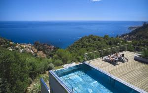 Bask in the jaw-dropping panoramic views of the Mediterranean, where the warm ocean waters stretch towards the horizon.