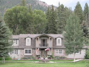Arbor House Bed & Breakfast Inn on the River Colorado