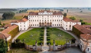 17th century Baroque style estate in Northern Italy