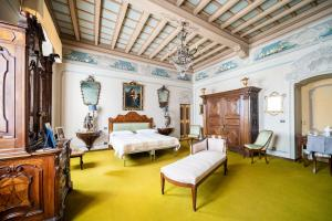 Large areas restored for comfort and historic charm