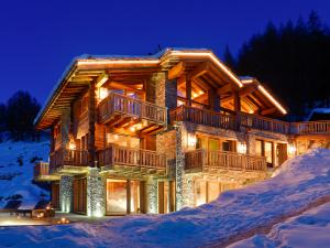 Worlds Most Luxurious Ski Chalet