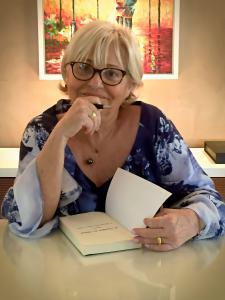 The Author Valeria Lopes
