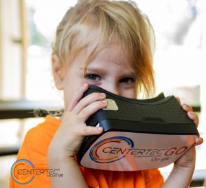 Young Girl uses STEM VR at centertec