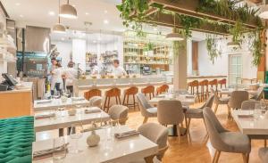 Nightshade restaurant, Cyrus Batchan, Consultant