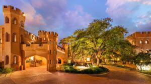 Kyalami Courtyard