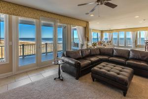 Brigantine Real Estate Auction Living Room 2019