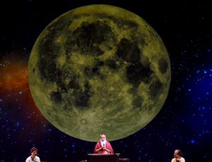 Sri Swamiji in the Poorna Chandra Raga Sagara Concert