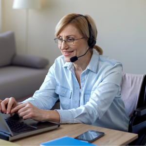 Female Bilingual call center agent - Source Shutterstock