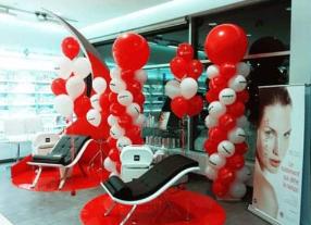 custom balloons and decor