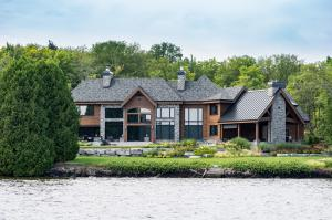 Lake Simcoe Home