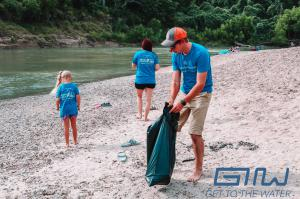 Get To The Water DAY™ volunteers cleaning Guadalupe River.